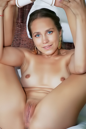 Cassia Sharing Every Inch Of Her Gorgeous Body With You